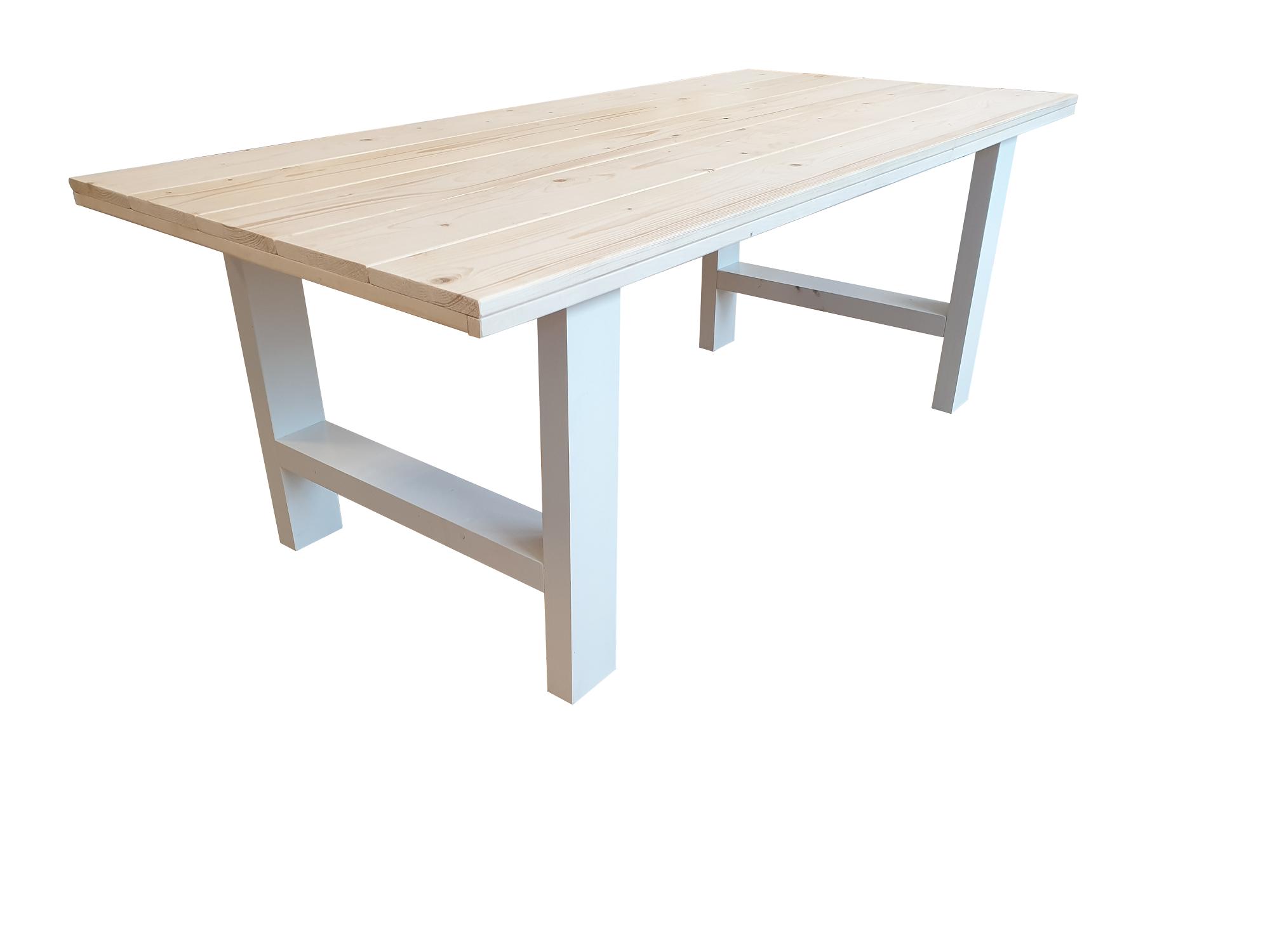 Mooie tafel met stoer en stevig blad for Stijgerhout tafel